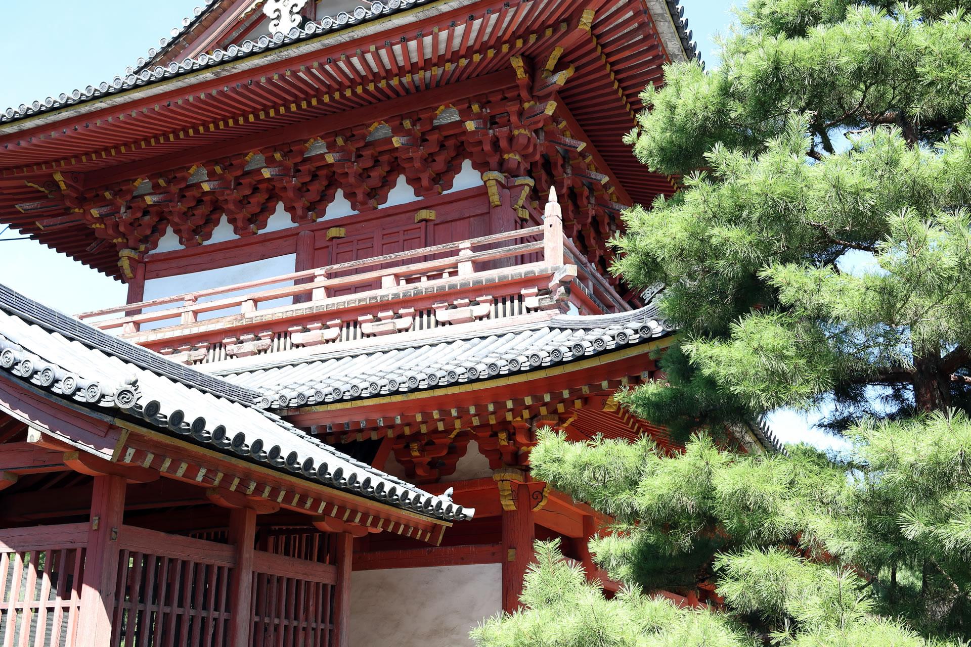 京都・大徳寺 三門(金毛閣)