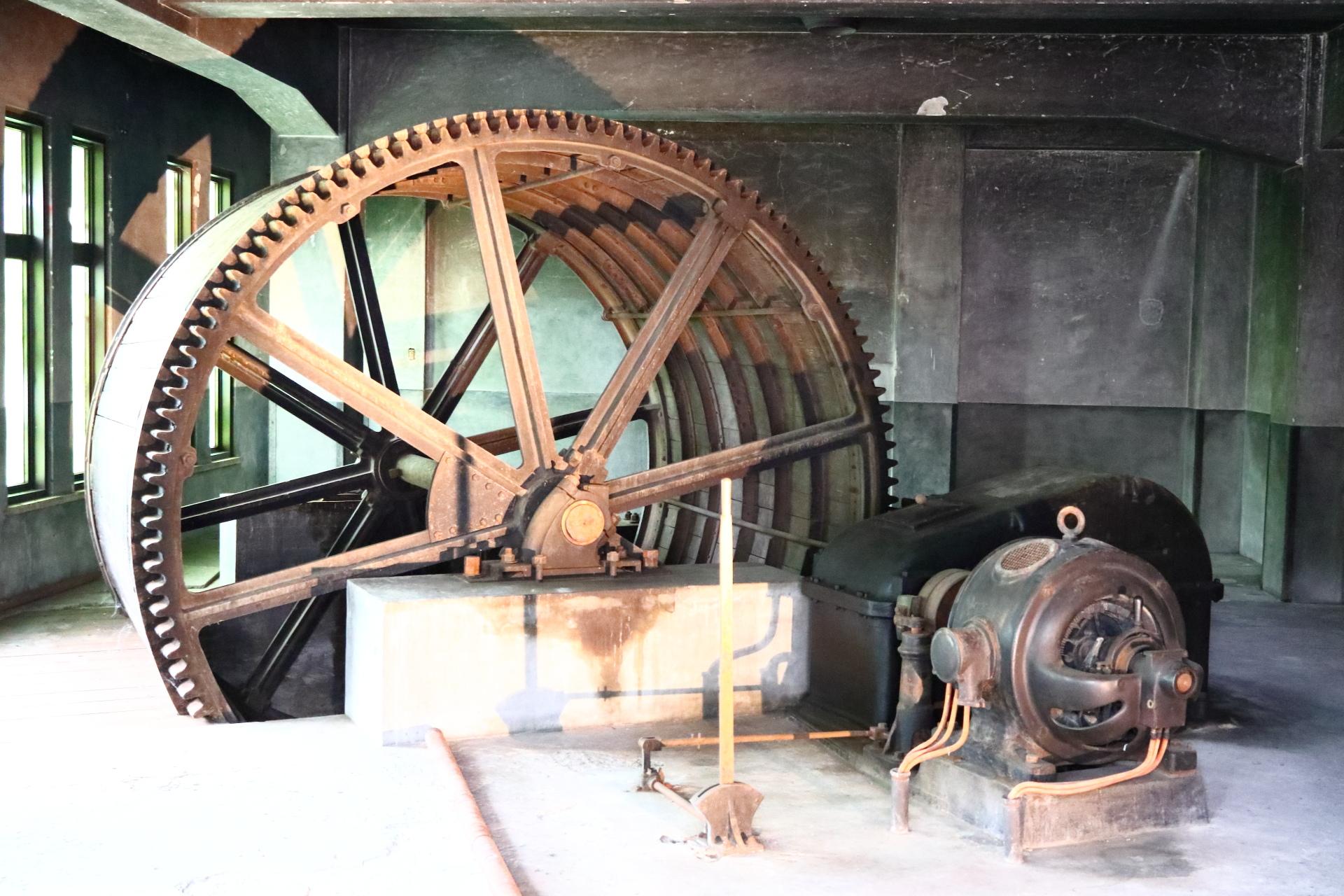 36メートル高低差を船泊が行き交った 琵琶湖疏水 蹴上インクライン(傾斜鉄道)のドラム工場