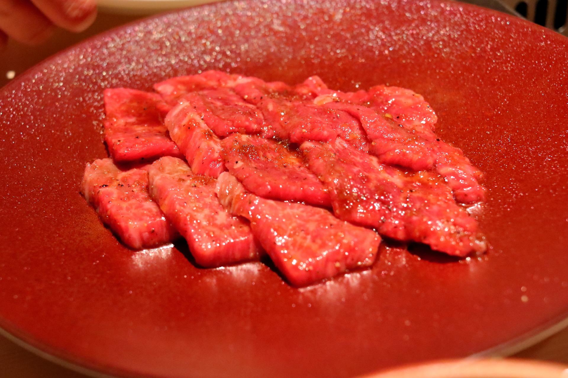 東京・八重洲「焼肉 矢澤」 黒毛和牛のハラミ